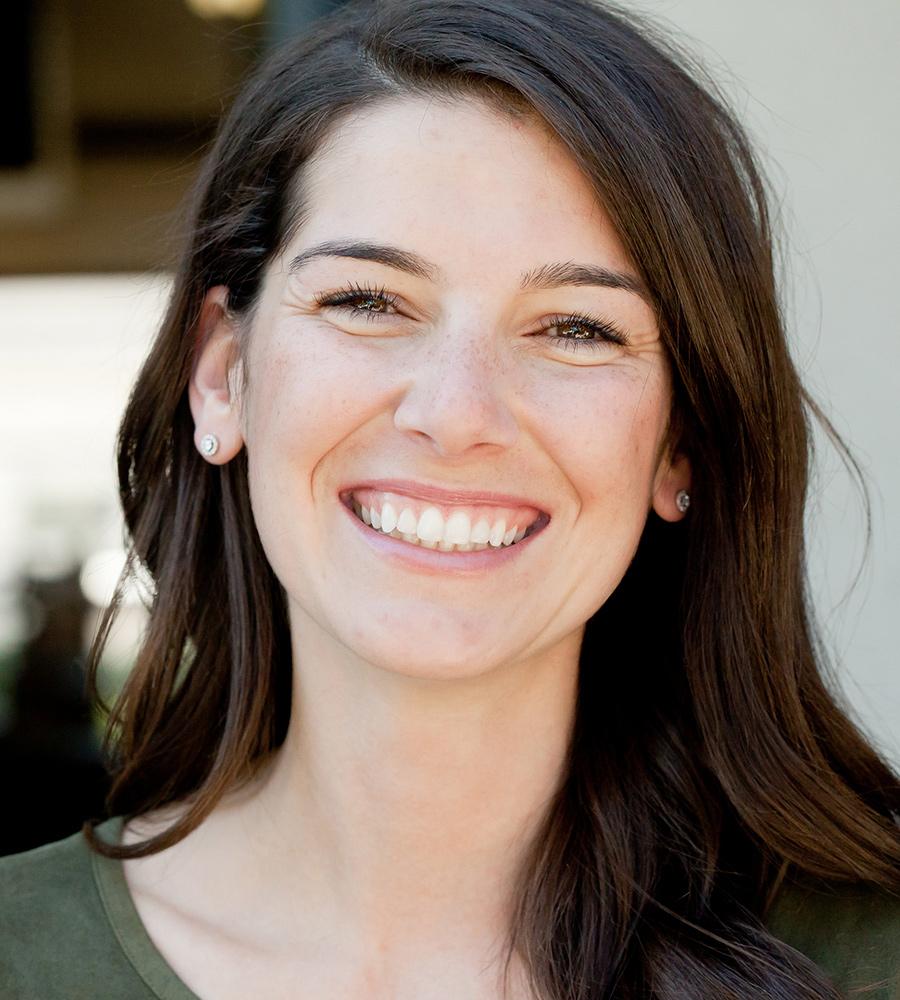 Nicole Zelyez